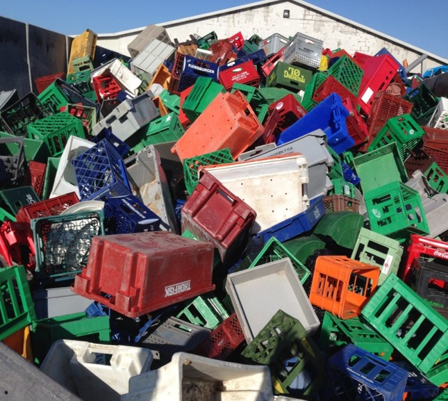 Typically, we buy the various shapes and coloured crates from the recycling facilities in Jutland as well as damaged crates from retail and production companies.